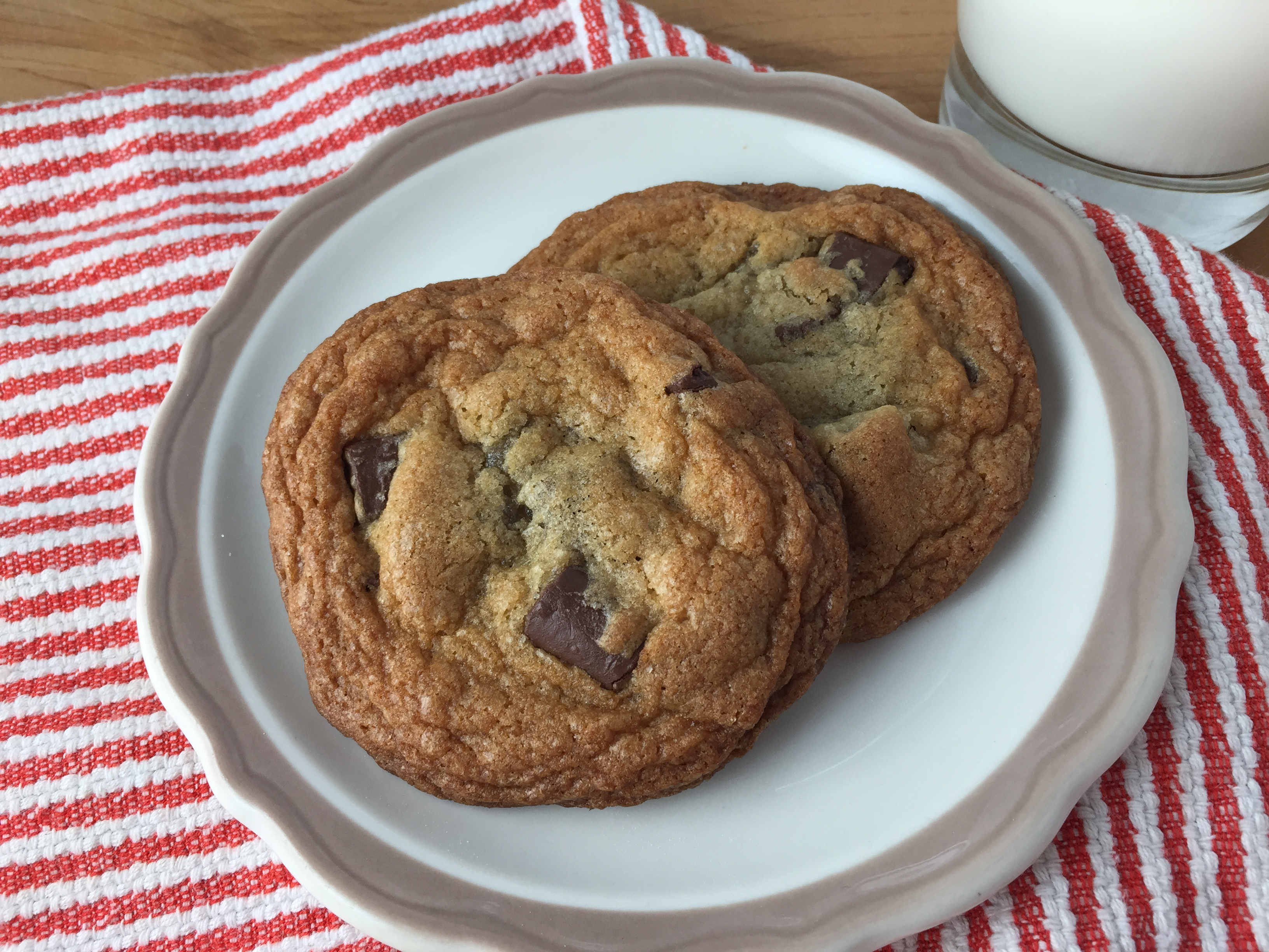 "Duet: Chocolate Chip Cookies / Cyndi Lauper ""She's So Unusual"""
