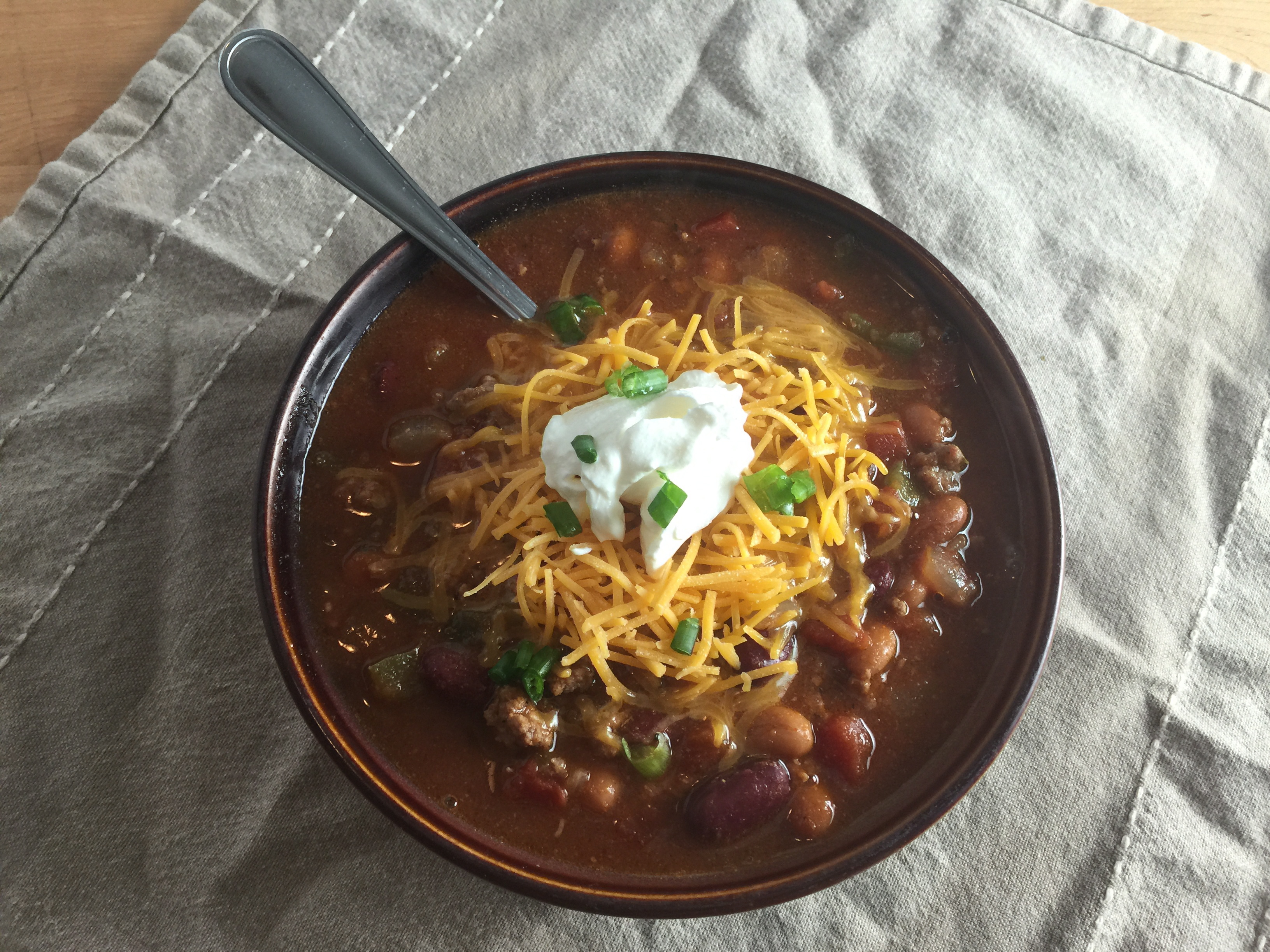 "Duet: Slow Cooker Chili / Mumford & Sons ""Sigh No More"""