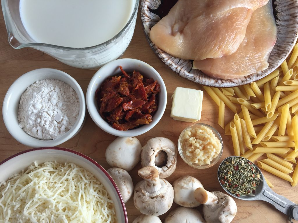 Chicken Alfredo with Sun-Dried Tomatoes and Mushrooms ingredients