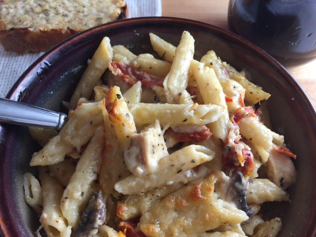 Chicken Alfredo with Sun-Dried Tomatoes and Mushrooms