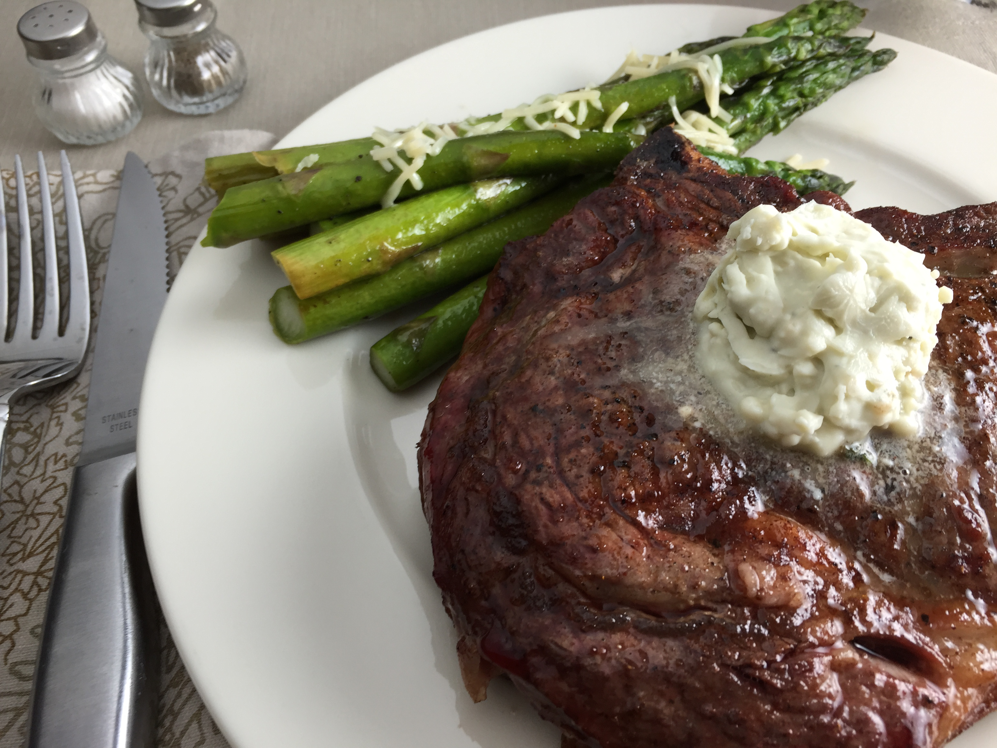"Duet: Steak with Gorgonzola Butter / Johnny Cash ""Johnny Cash at San Quentin"""