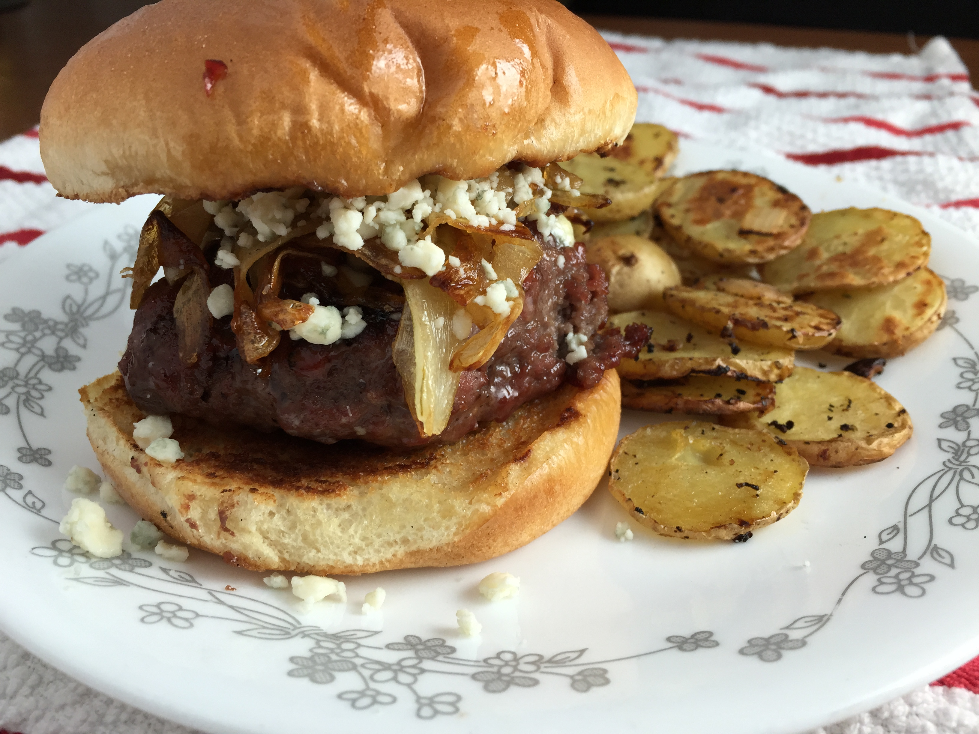 "Duet: Pepper Jam Burger with Caramelized Onions and Gorgonzola / Elvis ""Madison Square Garden"""